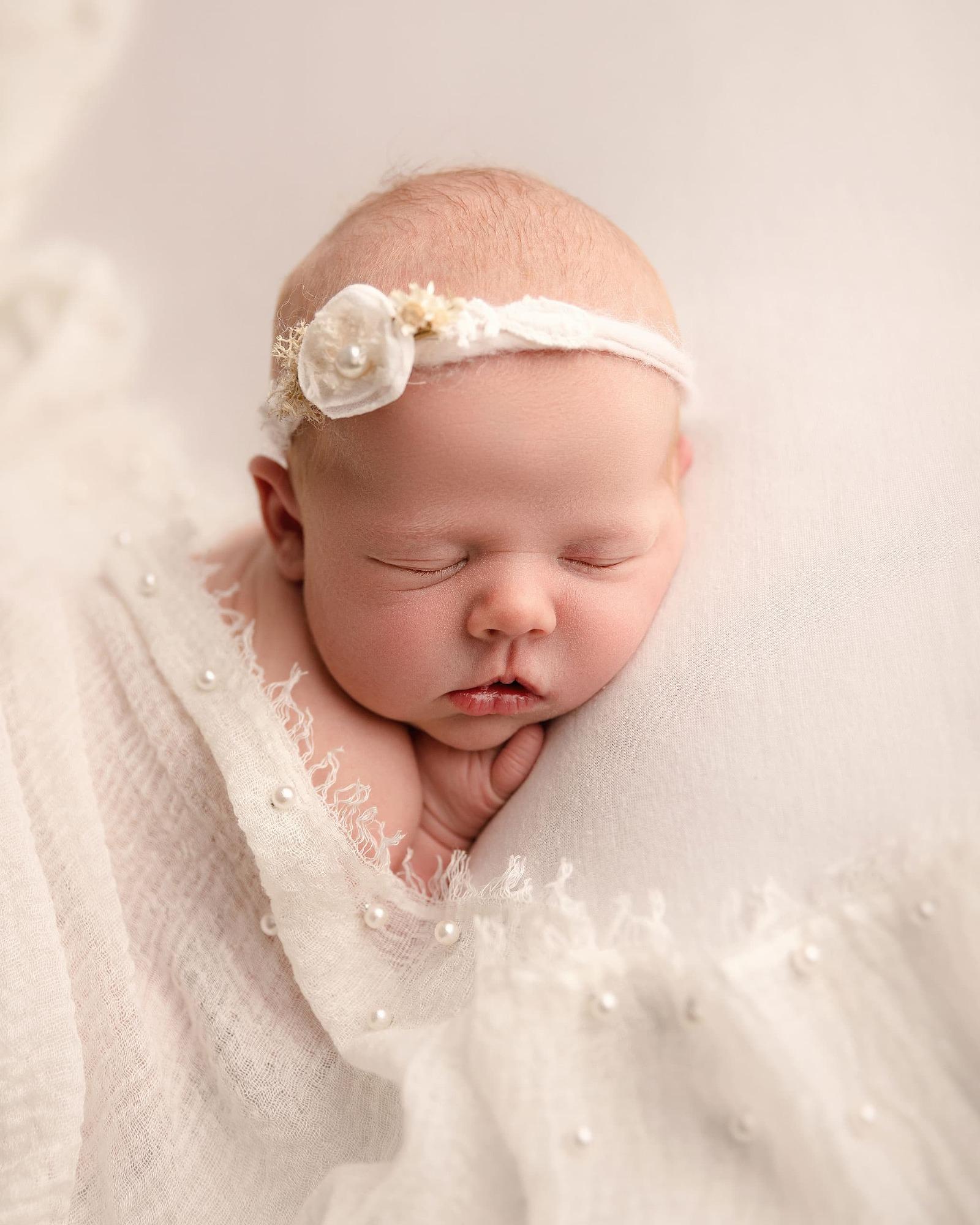 Jemma-Slater-Photography-baby-gIrl
